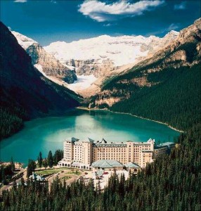 fairmont chateau lake louise 286x300 The Fairmont Chateau Lake Louise