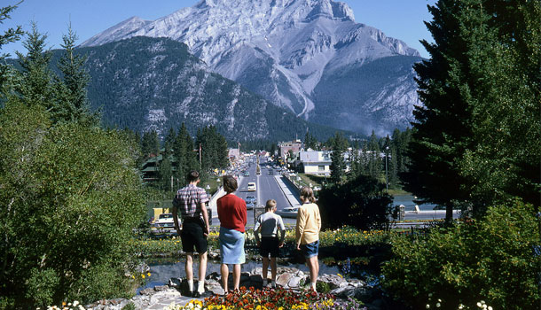 how to get to banff by plane